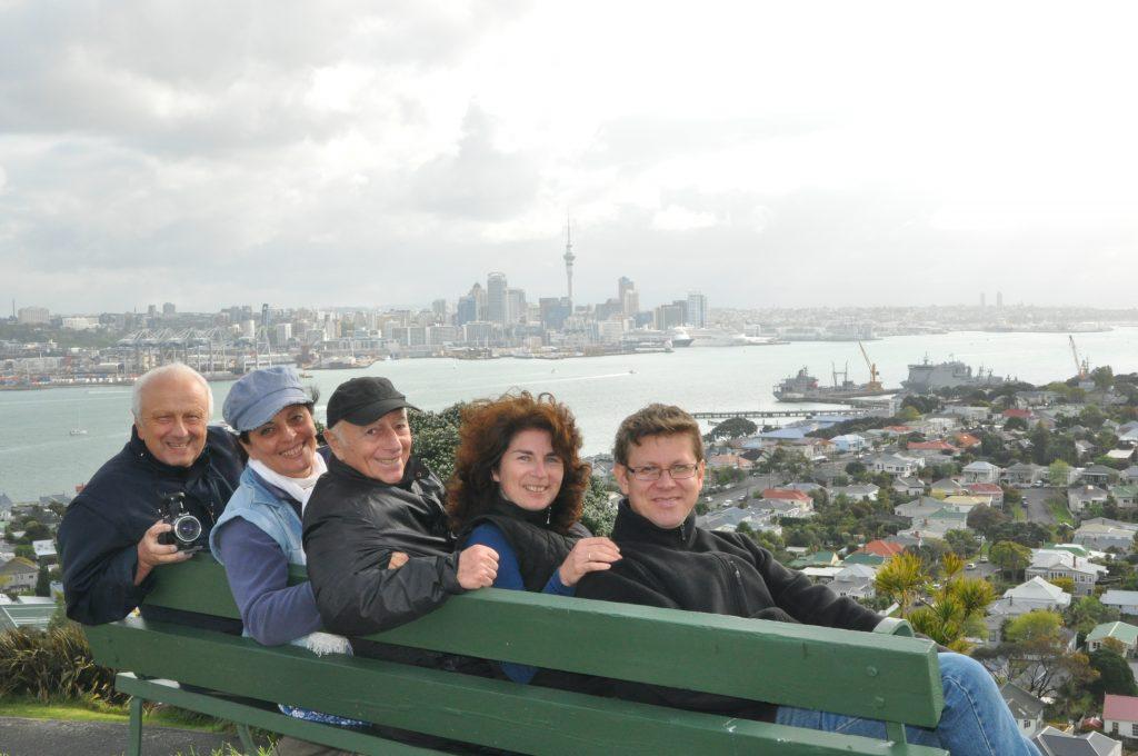 С Семеном Фридляндом, Натальей Касперович, Ольгой и Николаем Вахрушевыми, Новая Зеландия.