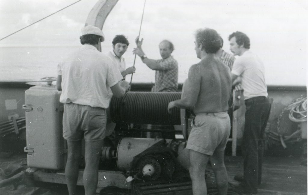 Северо-Западная часть Тихого океана. Измерение теплового потока, выборка магнитной гондолы, 1978 год