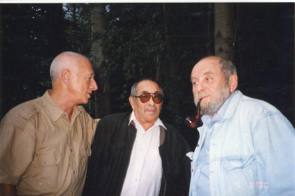 Александр Городницкий, Борис Жутовский и Юлий Крелин, Переделкино, 05.08.2000