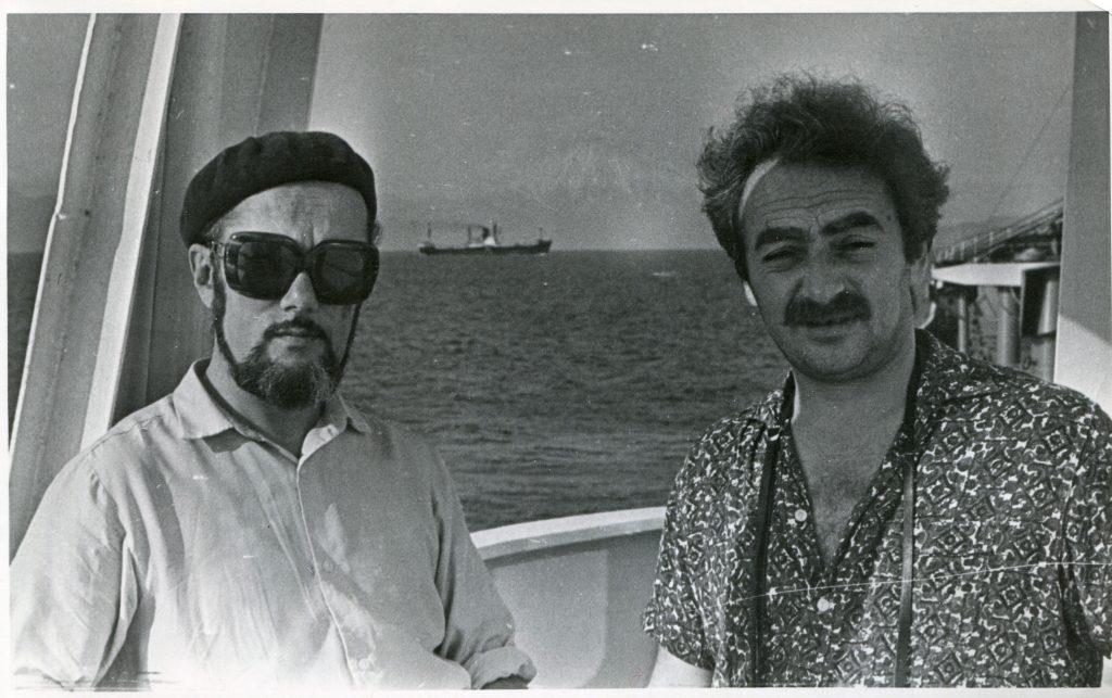 Александр Городницкий в Авачинской бухте на судне «Морской-10»