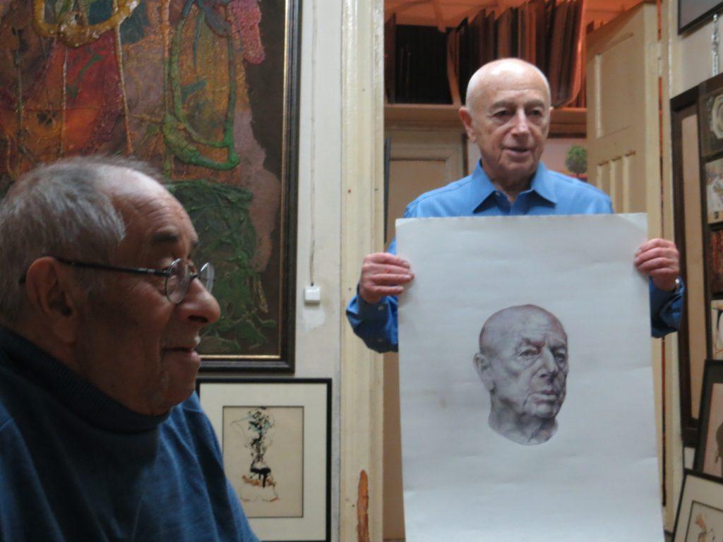Александр Городницкий с портретом и художником Борисом Жутовским, Москва ,2015 год