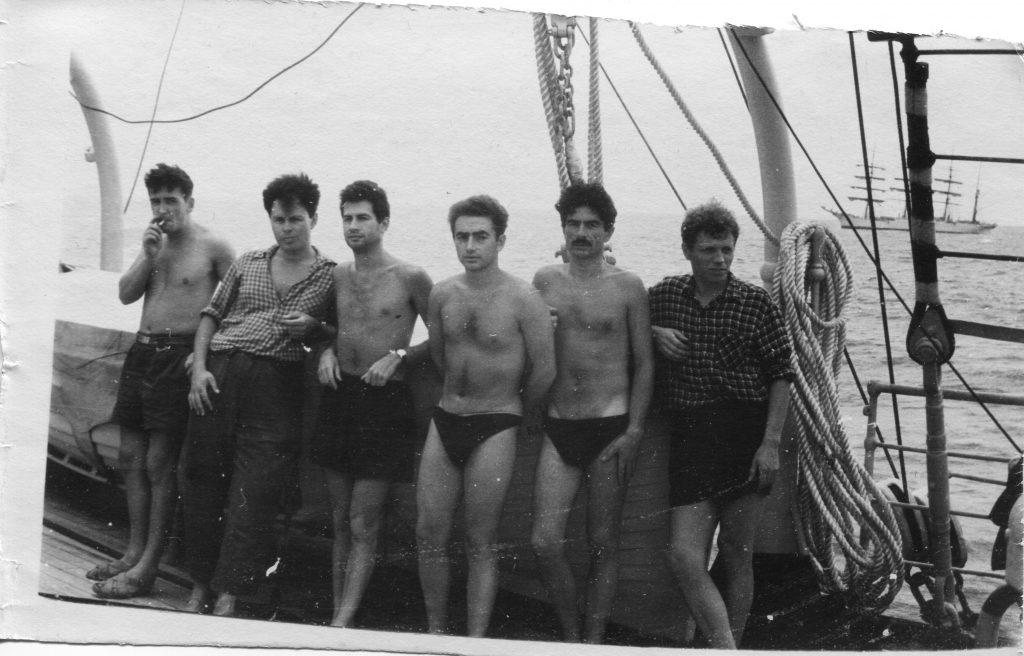 Александр Городницкий, Николай Трубятчинский, Э. Литвинов и др. на борту ЭОС «Крузенштерн» 1962 год