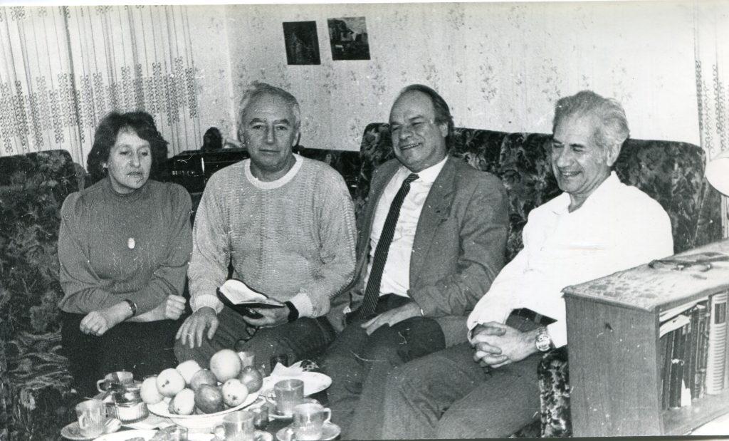 Александр Городницкий, Александр Володин и Дмитрий Сухарев в Ленинграде, 1989 год