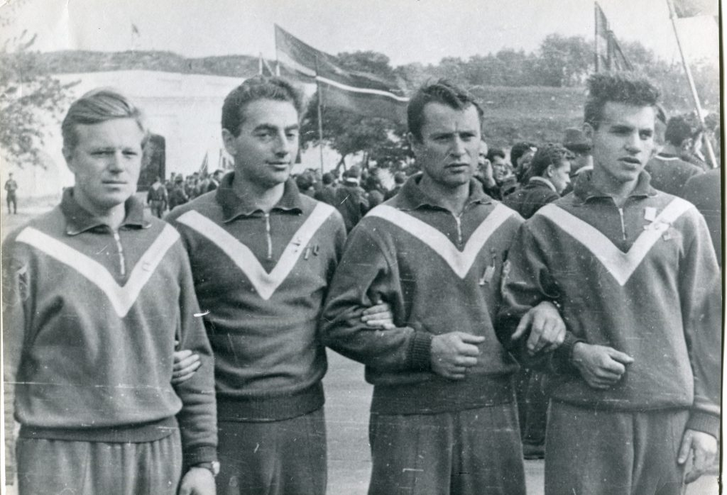 Борис Полоскин, Александр Городницкий, Валентин Вихорев и Евгений Клякинна фестивале в Бресте, 1965 год