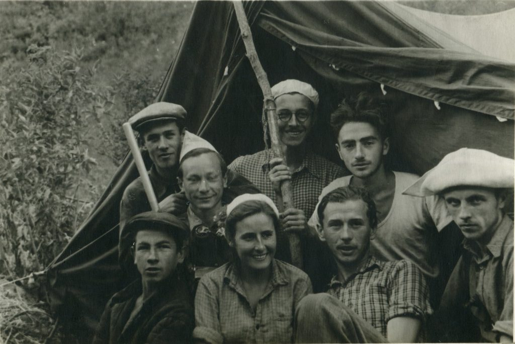 Александр Городницкий в экспедиции на Гиссарском хребте 1956 год